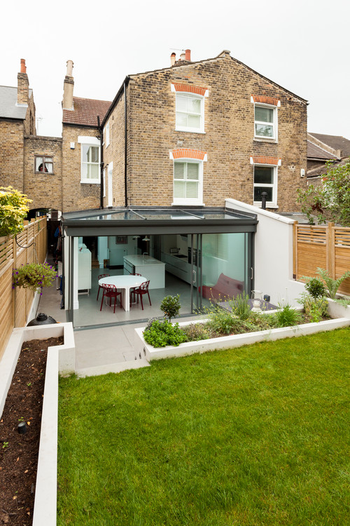 Glass body kitchen extension